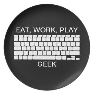 Coma, trabaje, juegue la placa del blanco del negr plato de comida