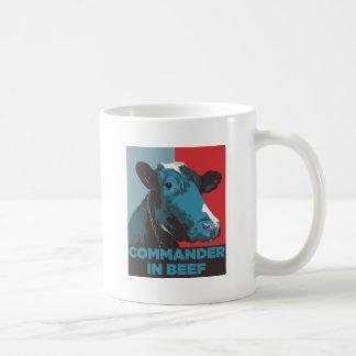 Comandante en carne de vaca taza clásica