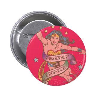 Combatiente de la libertad de la Mujer Maravilla Pin Redondo De 2 Pulgadas
