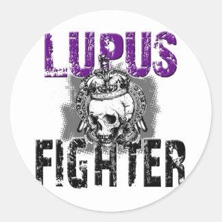 Combatiente del lupus con el cráneo… Ropa negra Etiqueta Redonda
