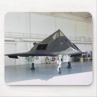 Combatiente F117a de la cautela Alfombrillas De Ratón