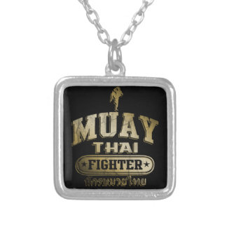 Combatiente tailandés de Muay del oro Colgante Cuadrado