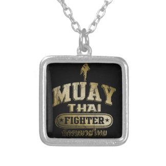 Combatiente tailandés de Muay del oro Collares Personalizados