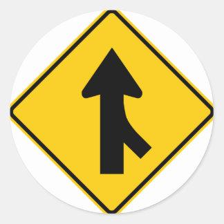 Combinando la muestra de la carretera del tráfico pegatina redonda