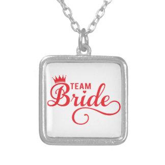 Combine a la novia, diseño rojo del texto del arte colgante cuadrado