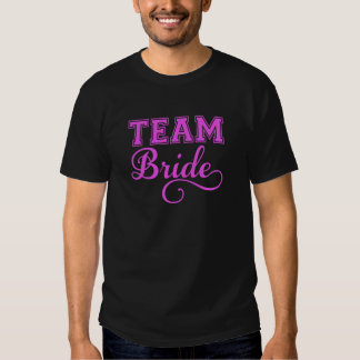Combine a la novia, diseño rosado del texto del playera