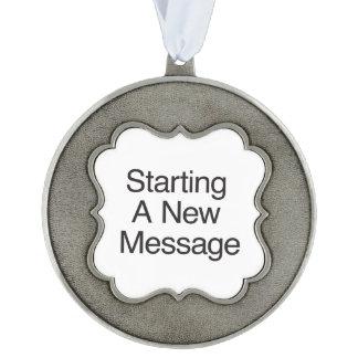 Comenzar un nuevo Message.ai Adorno Ondulado De Peltre