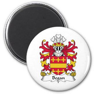 Comenzó el escudo de la familia imán redondo 5 cm