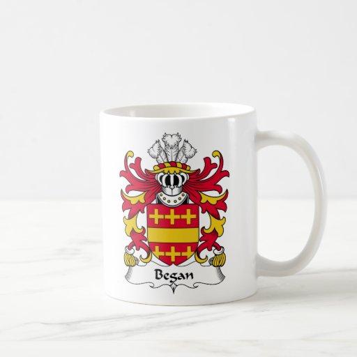 Comenzó el escudo de la familia tazas de café