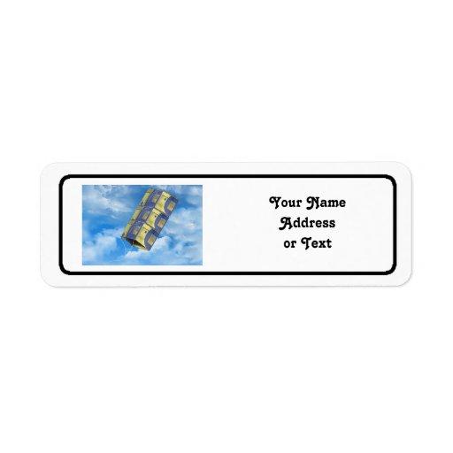 Cometa de caja en el cielo etiqueta de remite