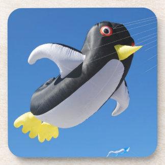 Cometa del pingüino posavasos