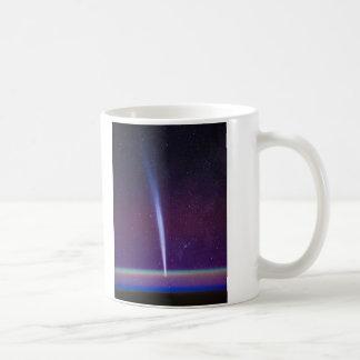 Cometa Lovejoy cerca del horizonte de la tierra Taza Clásica
