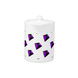 Cometas de forma diamantada púrpuras y negras