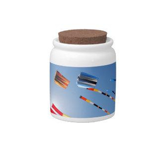 Cometas de la cola larga del multicolor jarra para caramelo