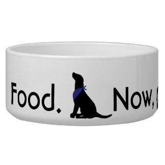 Comida. Ahora, por favor Comedero Para Mascota