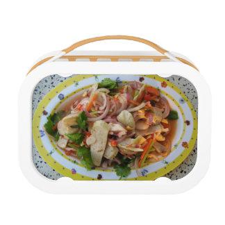 Comida asiática picante tailandesa de la calle de
