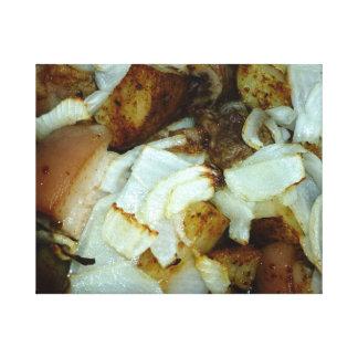 Comida campestre del cerdo con las patatas y las c lona envuelta para galerías