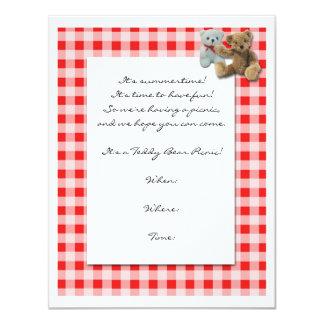 """Comida campestre del oso de peluche con el mantel invitación 4.25"""" x 5.5"""""""
