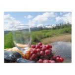 Comida campestre del pan y del vino de la fruta postal