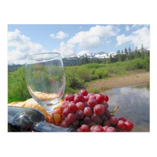 Comida campestre del pan y del vino de la fruta postales