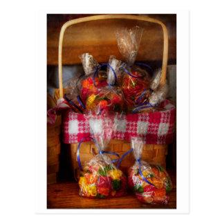 Comida - caramelo - osos gomosos para la venta tarjeta postal