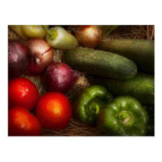 Comida - cebollas tomates pimientas y pepinos tarjetas postales