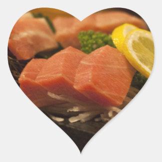 Comida de pescados del fiesta del atún del atún pegatina en forma de corazón