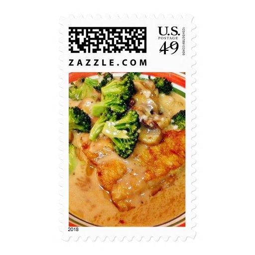 Comida de Piccata del bróculi del siluro que Sellos