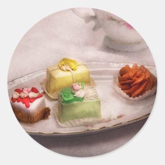 Comida - dulce - torta - las invitaciones de la pegatina redonda