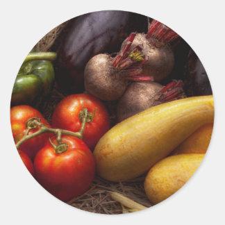 Comida - pimientas, tomates, calabaza y nabos pegatina redonda