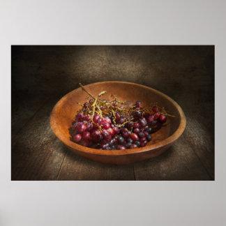 Comida - uvas - un cuenco de uvas posters