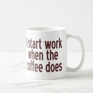 Comience a trabajar el café taza