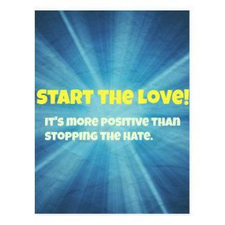 Comience la explosión del azul del amor postales