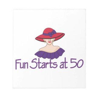 Comienzo de la diversión en 50 libretas para notas