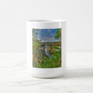 Comienzo de la taza del otoño