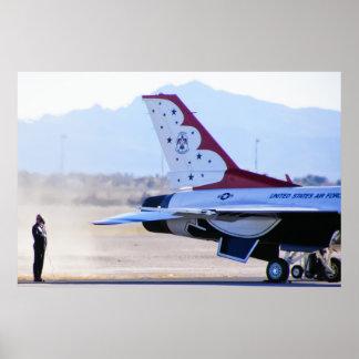 Comienzo del motor de los Thunderbirds del Póster