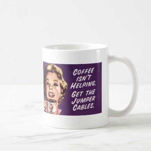 Comienzo del salto del café taza de café