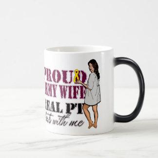 Comienzo real de la pinta de la esposa orgullosa taza mágica