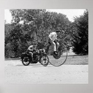 Comino del penique contra la motocicleta, los años impresiones