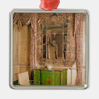 Commode and chair in the state bedchamber metal ornament