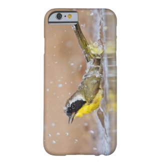 Common yellowthroat bathing barely there iPhone 6 case