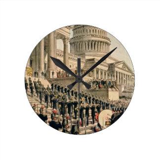 Como aparecían participantes en la inauguración reloj redondo mediano