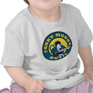 Cómo camiseta infantil enrrollada