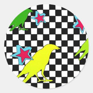 Como el cuervo vuela pegatinas redondas