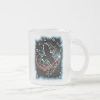 como el cuervo vuela taza de café