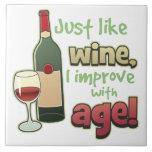 Como el vino mejore con la teja decorativa de la e