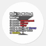 Cómo hacer a una enfermera pegatinas redondas