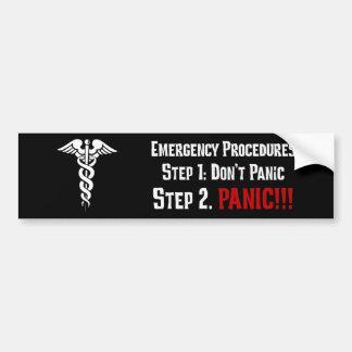 Cómo las enfermeras responden a su emergencia pegatina para auto