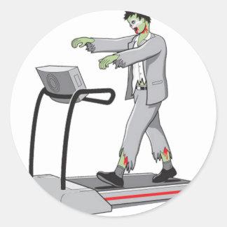 Cómo mantener a un zombi ocupado pegatina redonda