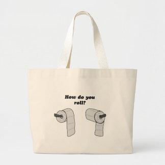 Cómo usted rueda el papel higiénico bolsas